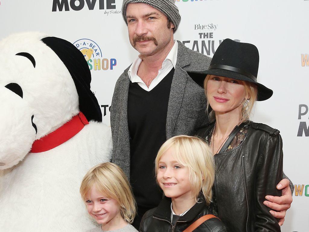 Liev Schreiber und Naomi Watts und ihre Söhne Alexander und Samuel Kai