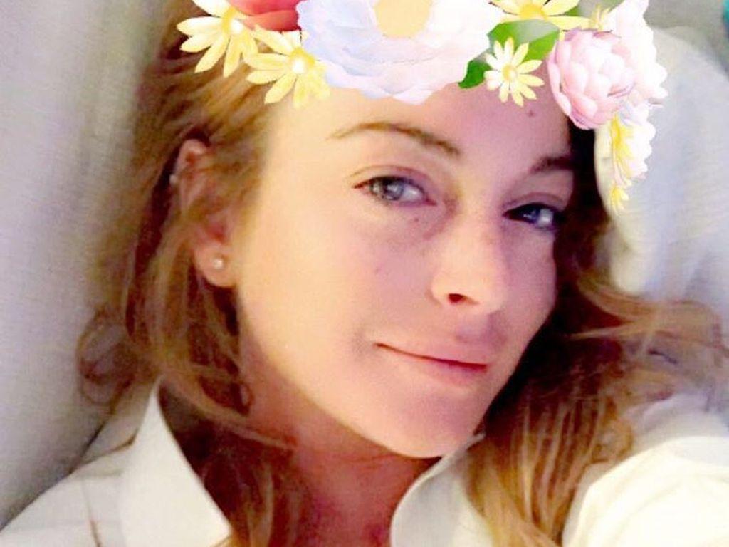 Lindsay Lohan macht ein Selfie