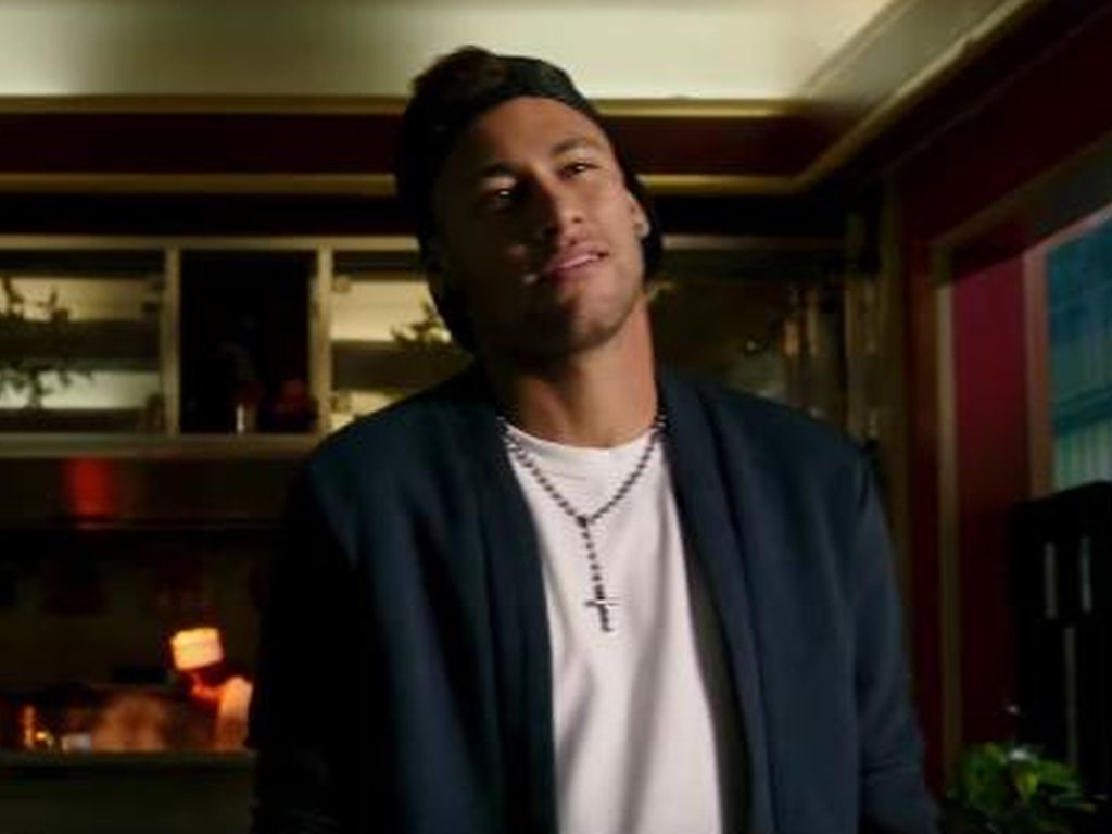 "Neymar Jr. in ""Triple X"""