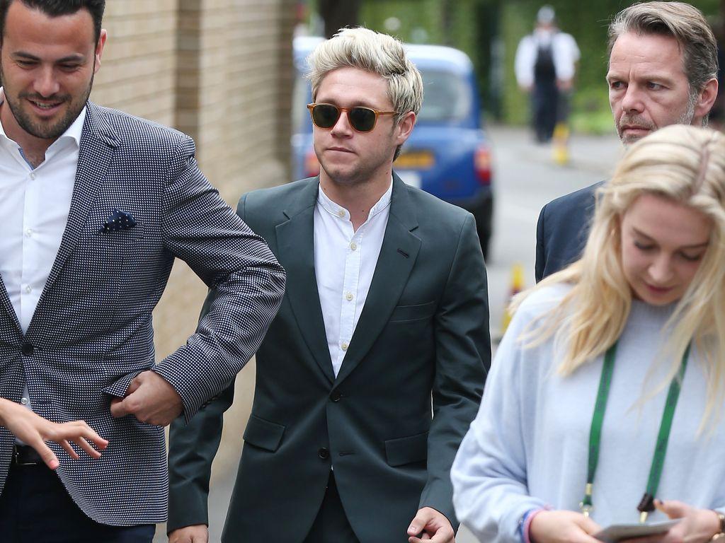 Niall Horan im Anzug in Wimbledon