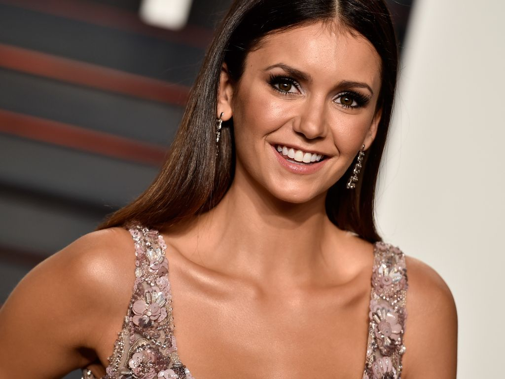 "Nina Dobrev bei der ""2016 Vanity Fair Oscar Party Hosted By Graydon Carter"""