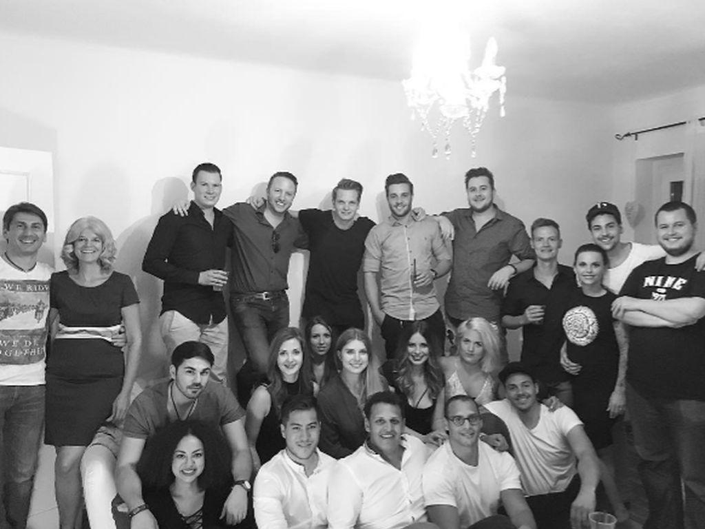 Patrick Cuninka, Denise Temlitz und Freunde an Patricks 26. Geburtstag