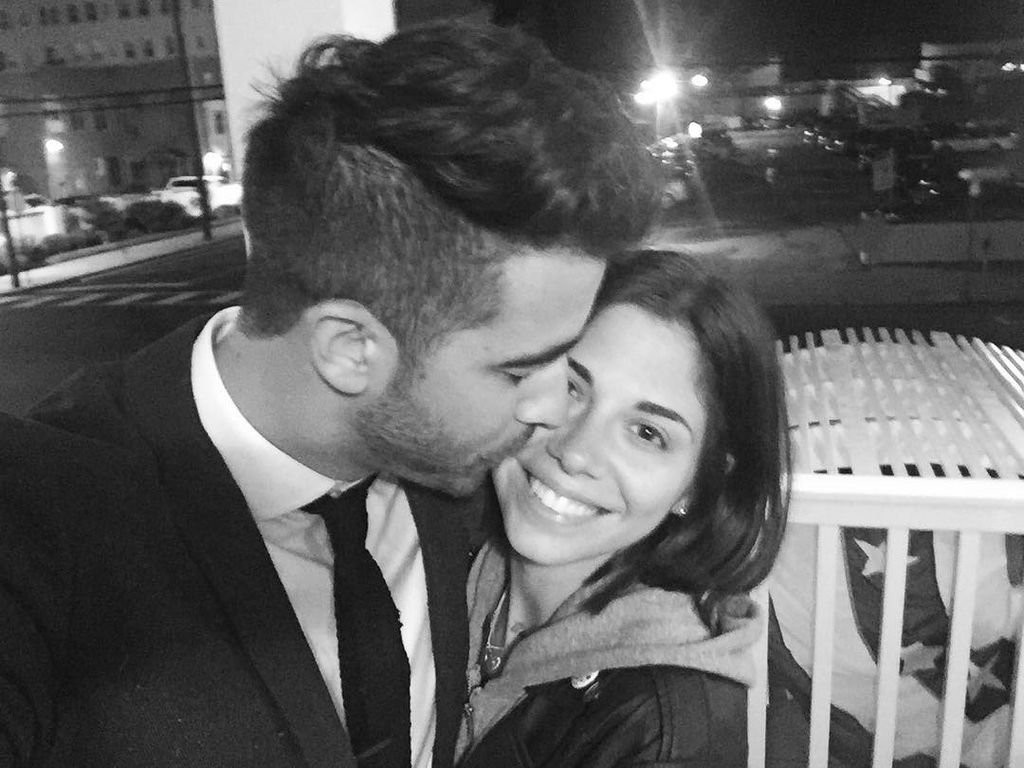 verlobt twilight christina perri wird ihren paul heiraten. Black Bedroom Furniture Sets. Home Design Ideas