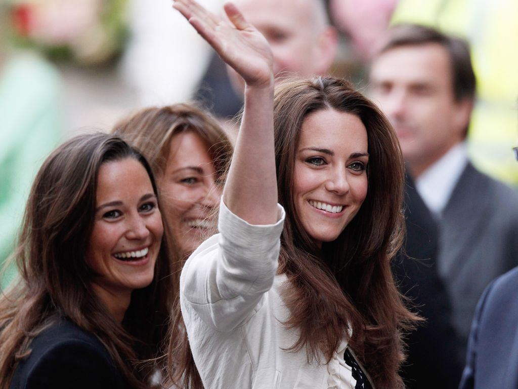 Pippa und Kate Middleton in London, April 2011