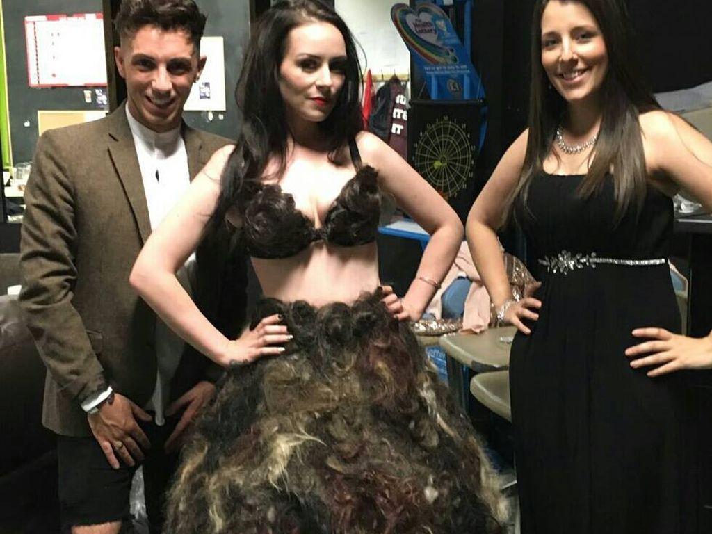 Sarah Louise Bryan mit zwei Freunden