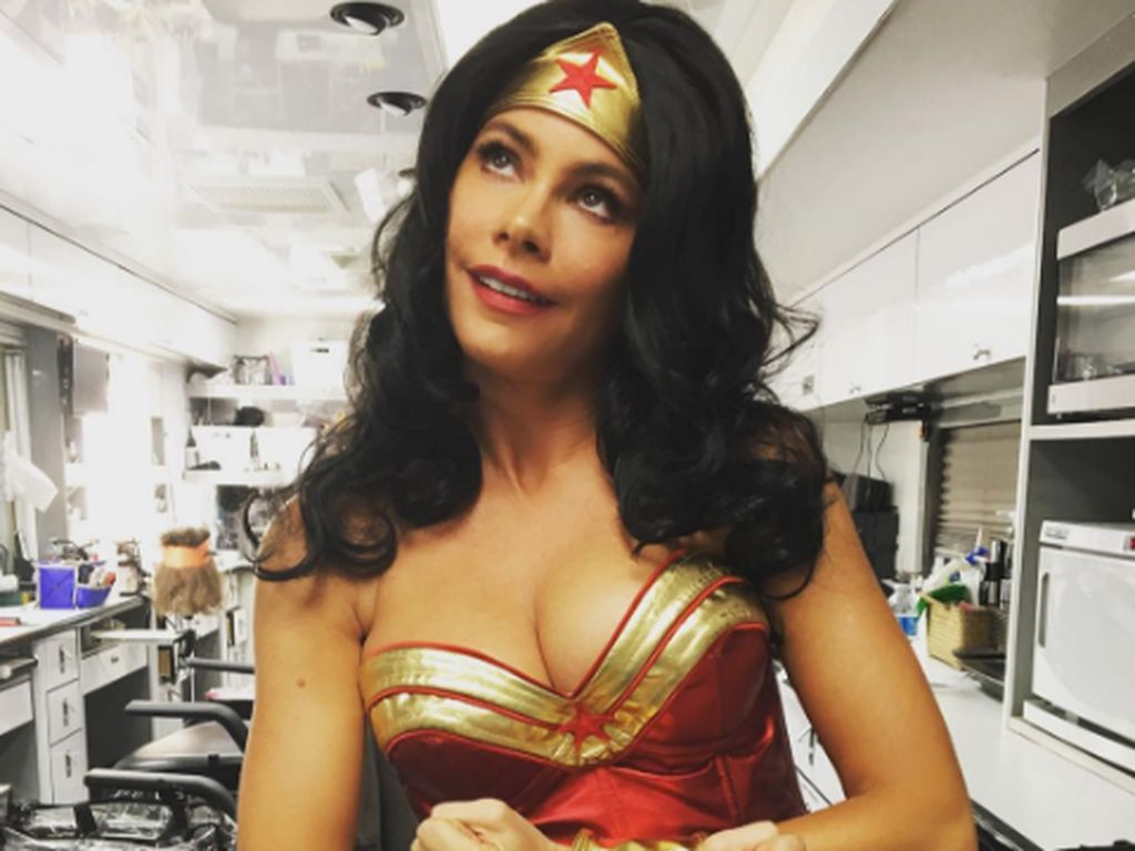Sofia Vergara als kurvige Wonder Woman