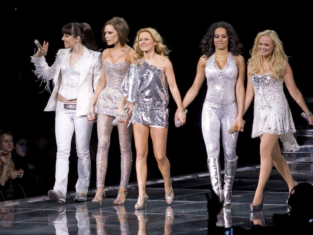 Spice Girls in Glitzerkleidern
