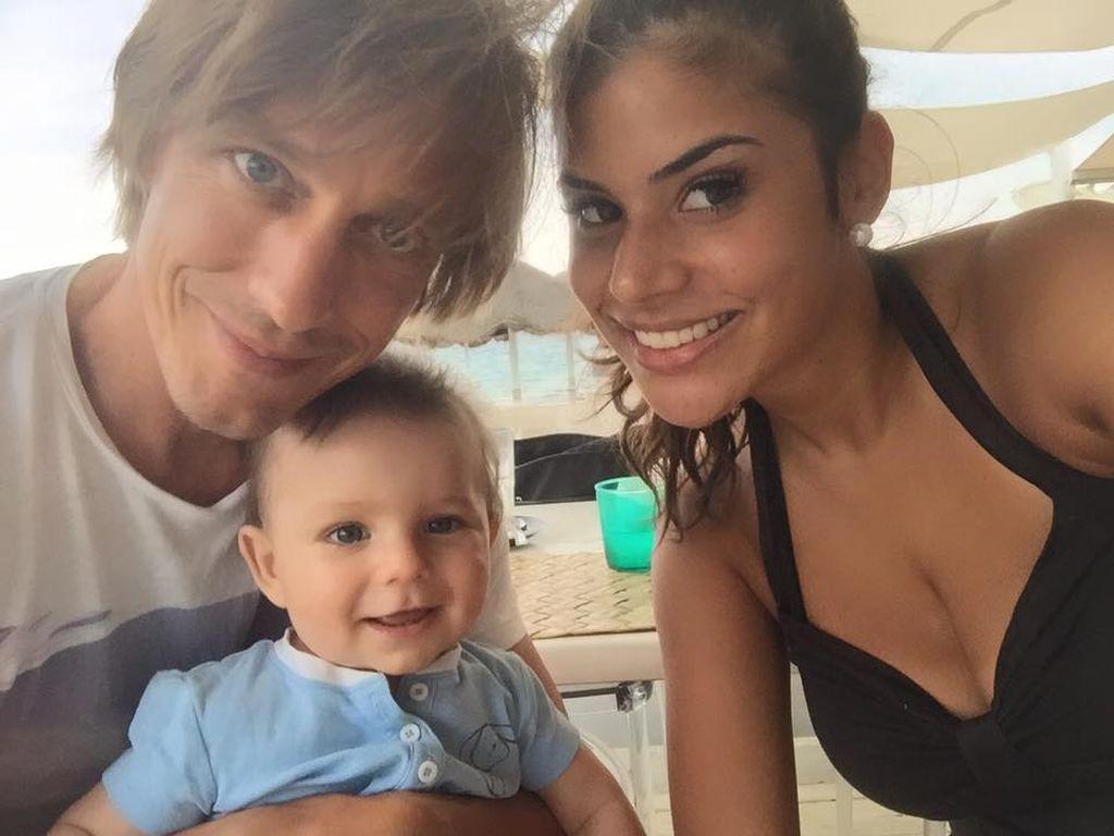 Tanja Tischewitsch mit Thomas Radeck und Baby Ben im Sardinien-Urlaub