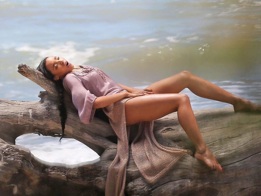 Tinashe bei Musikvideo-Dreh in Malibu