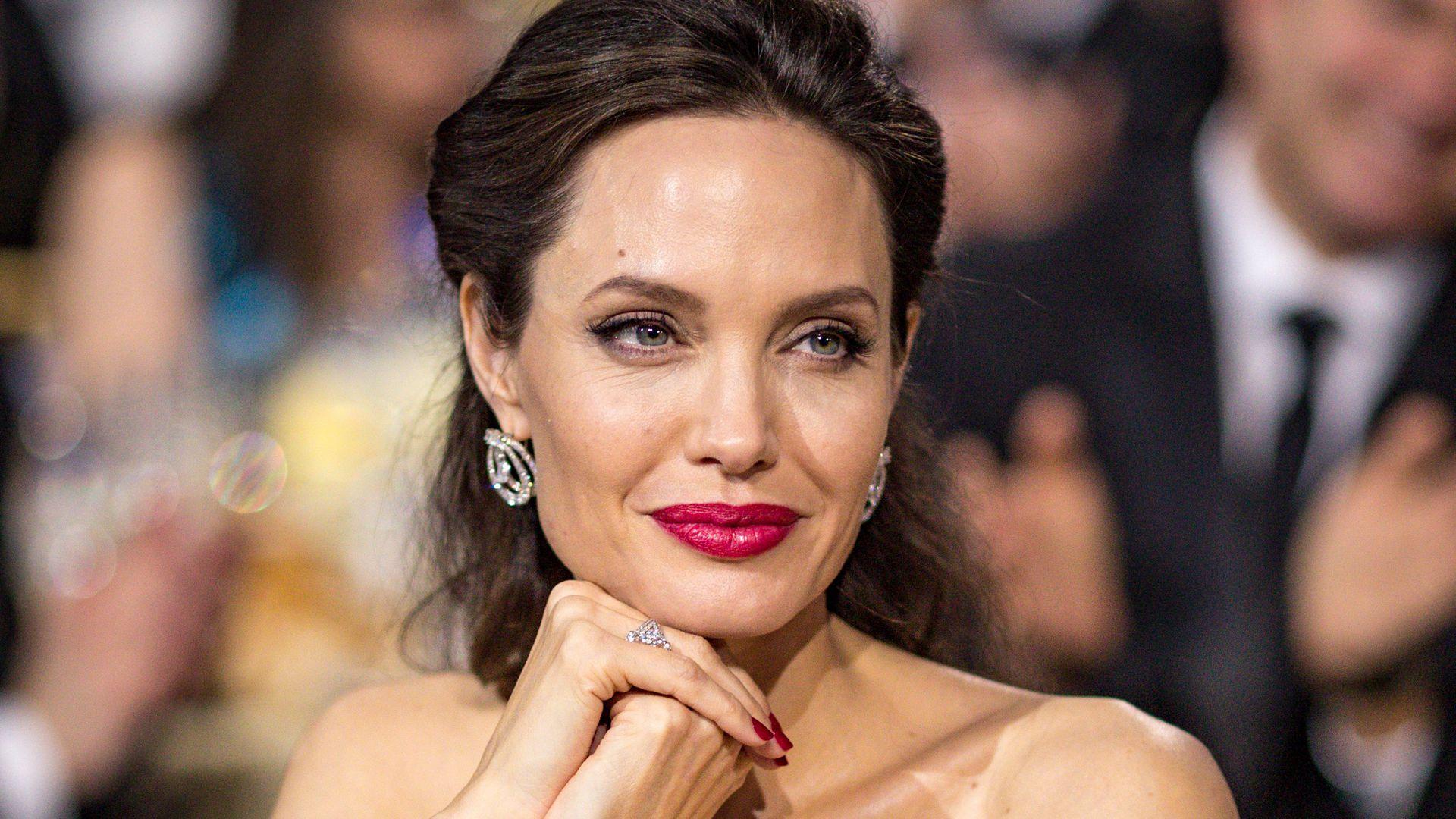 Angelina Jolie-4997