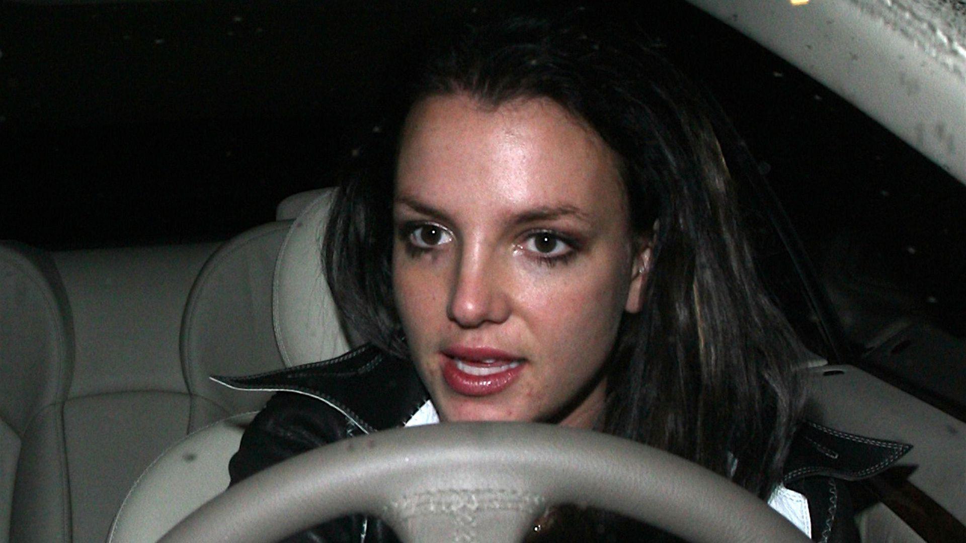 Wie Bitte Britney Spears Glatzen Gate Ist 10 Jahre Her