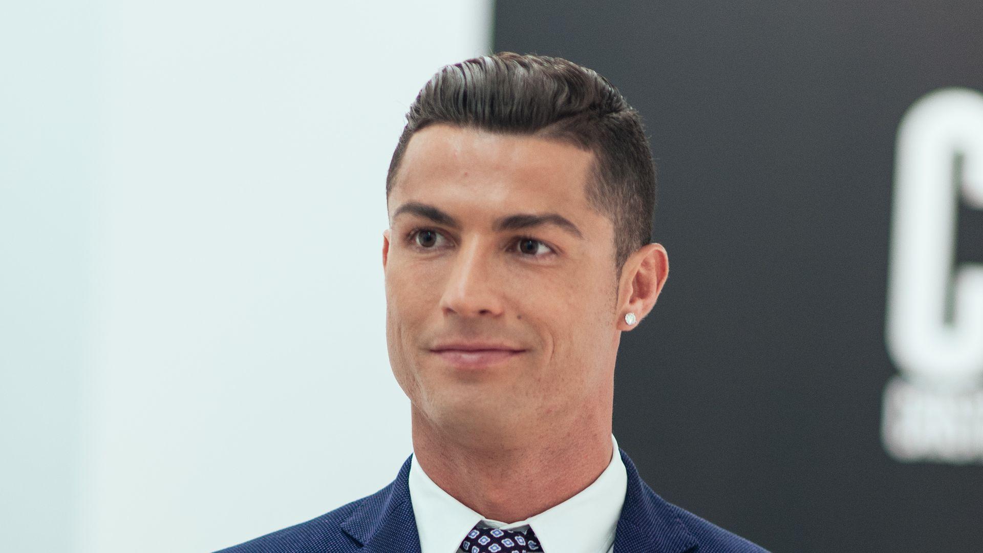 Hat Ronaldo Corona