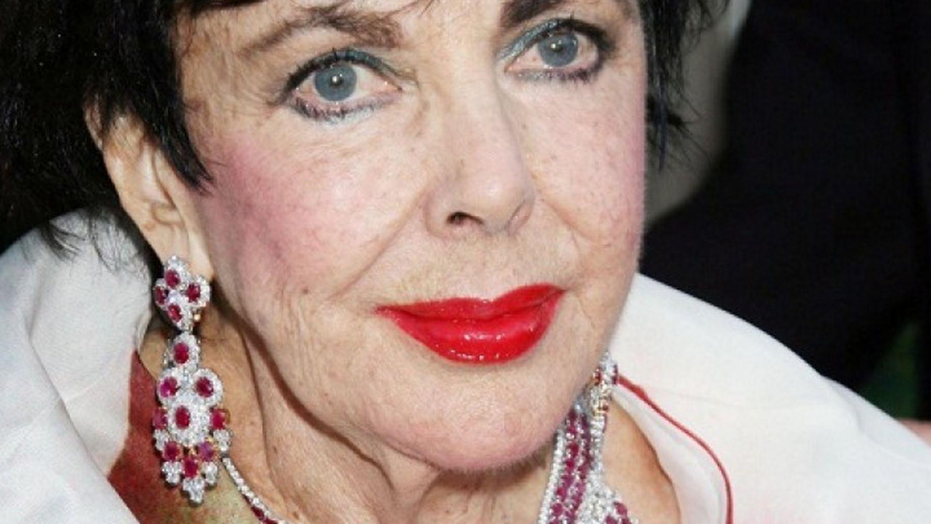 Liz Taylors Juwelen Erzielen Rekord Summen Promiflash De
