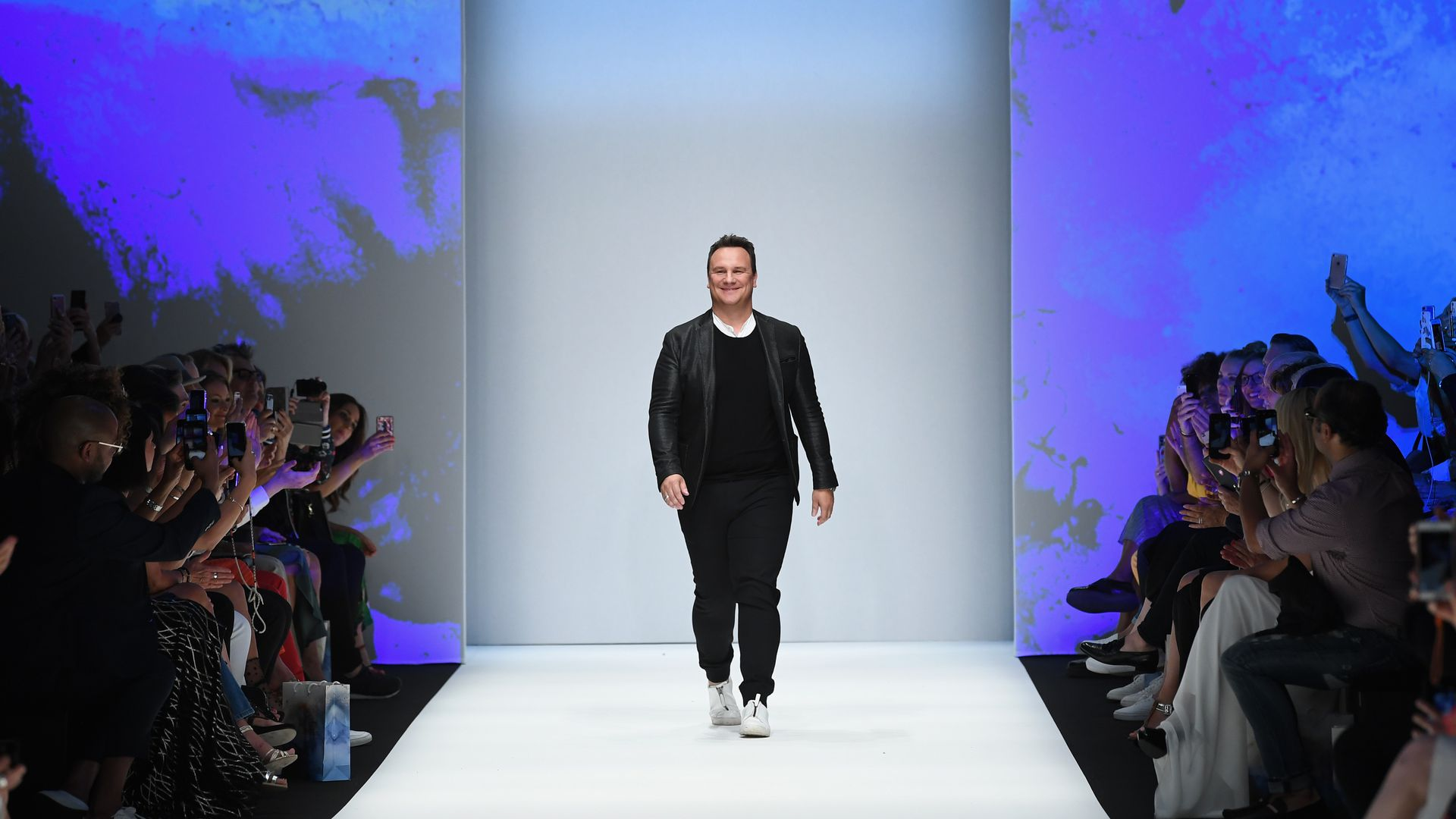 buy online 1a85f acee3 In the Kretschmer show: Model has its period on the catwalk