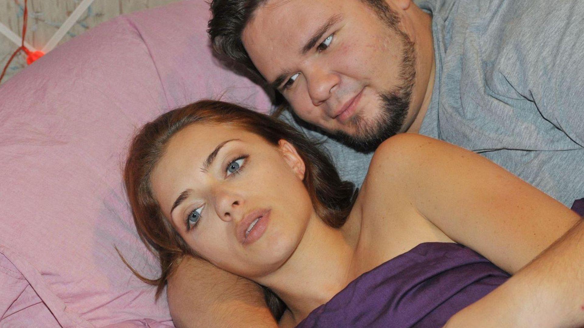 Im Bett treibt es das private deutsche Paar