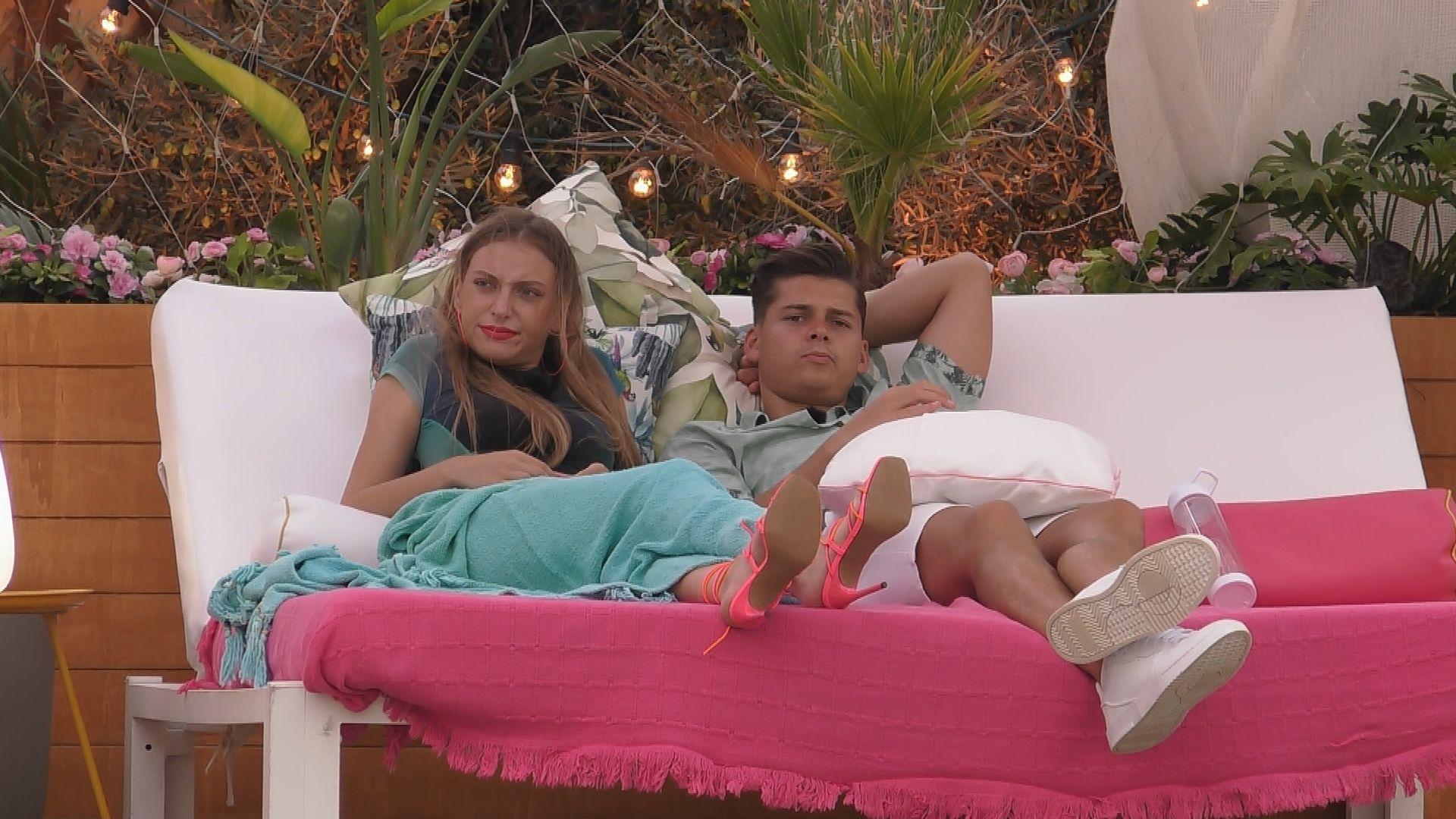 "Sportmuffel-Drama: Krise bei ""Love Island""-Isabell und Robin"