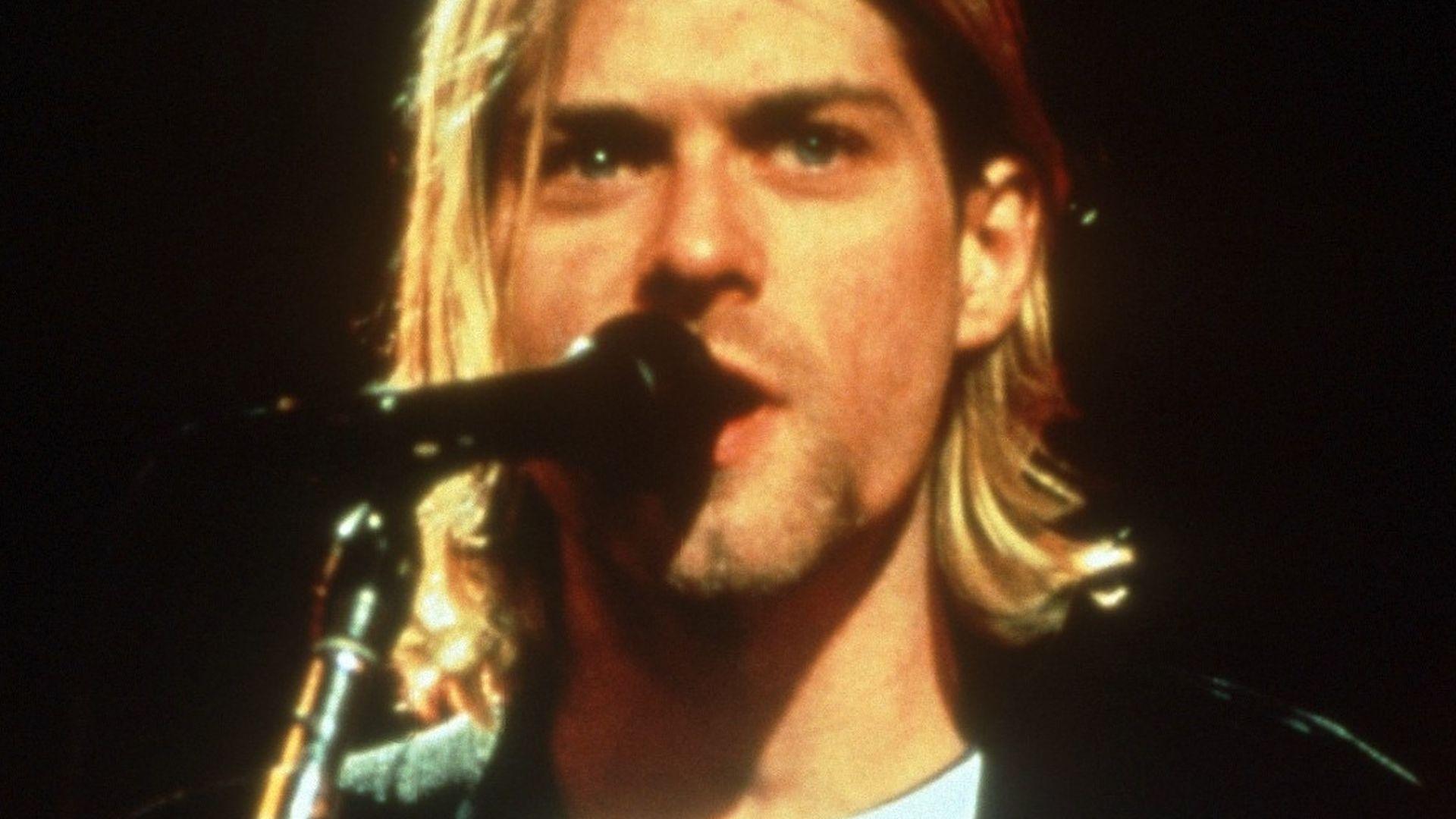 kurt cobain mit gitarre 2