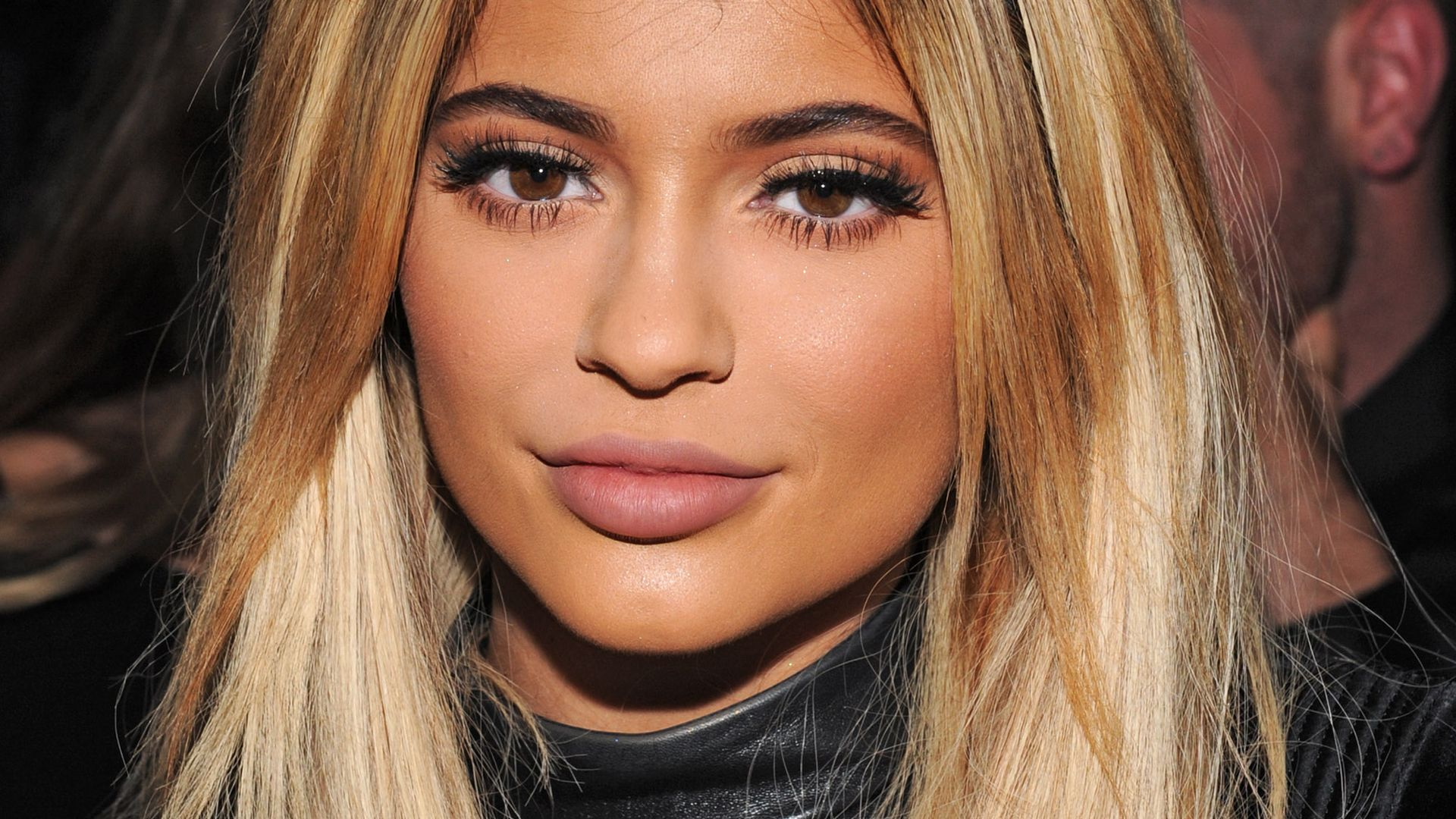 How To Get Larger Lips Naturally