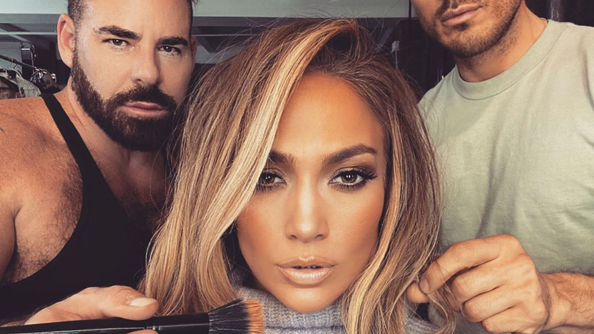 Jennifer Lopez zeigt sich mit Bob und blonden Highlights! - Promiflash.de