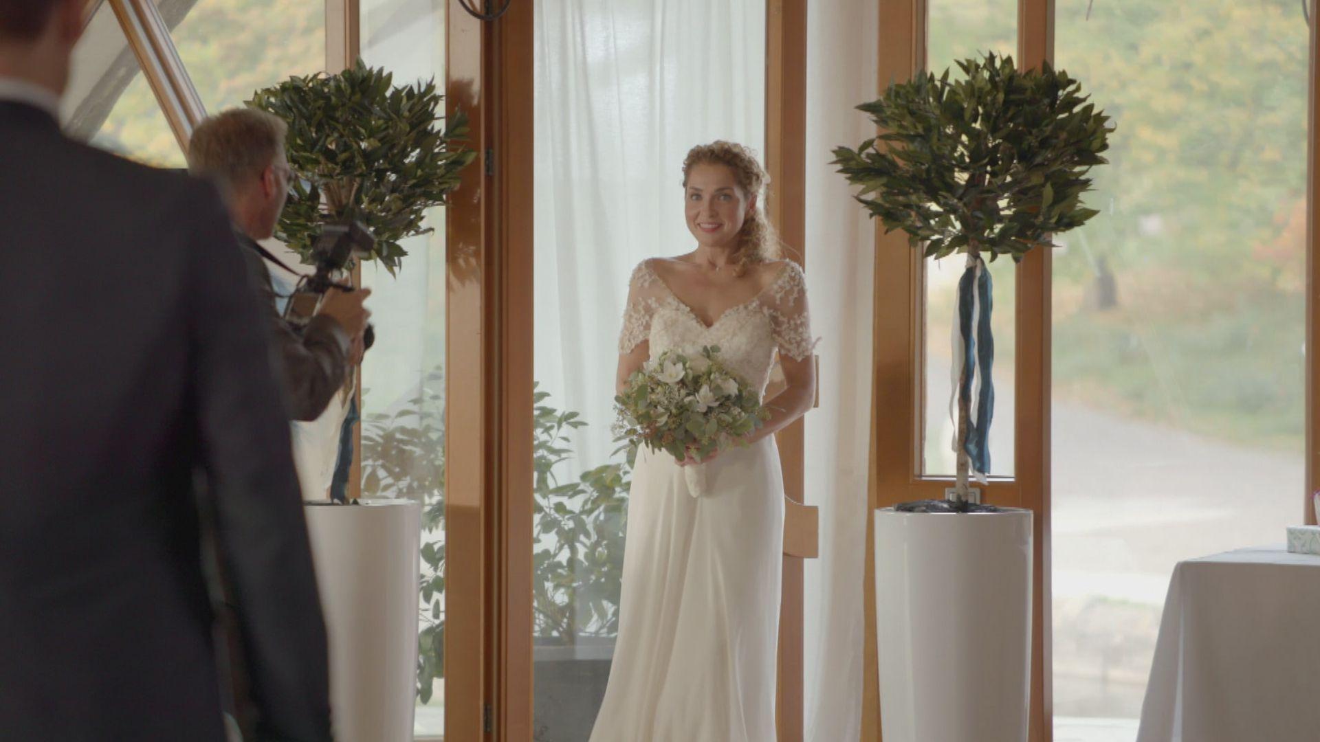 """Wechselbad der Gefühle"""": Wird GZSZ-Nina Robert heiraten"""