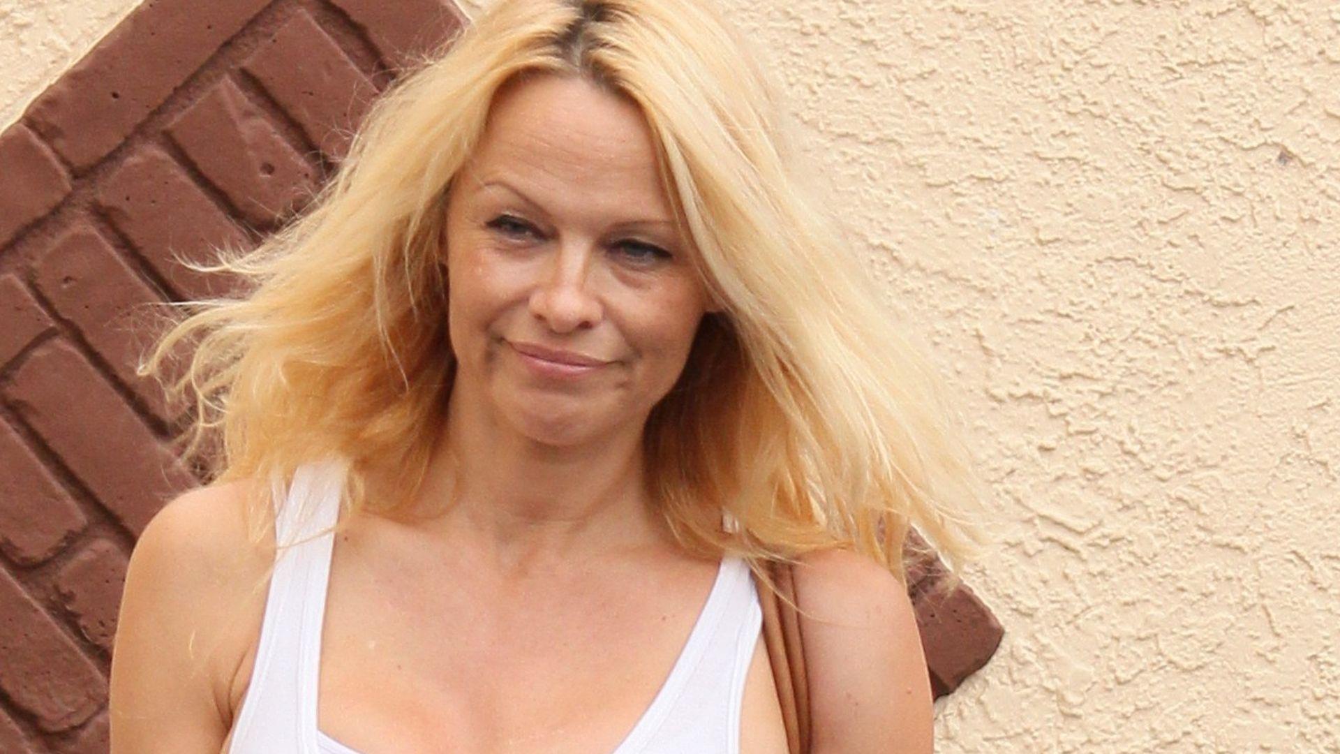 Stars - Video - Pamela Anderson komplett nackt - ProSieben