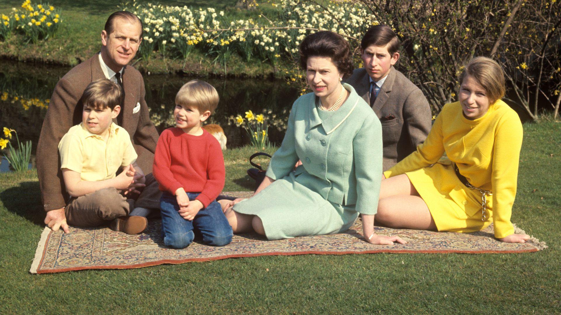 71 Hochzeitstag Elizabeth Ii Musste Um Philip Kämpfen