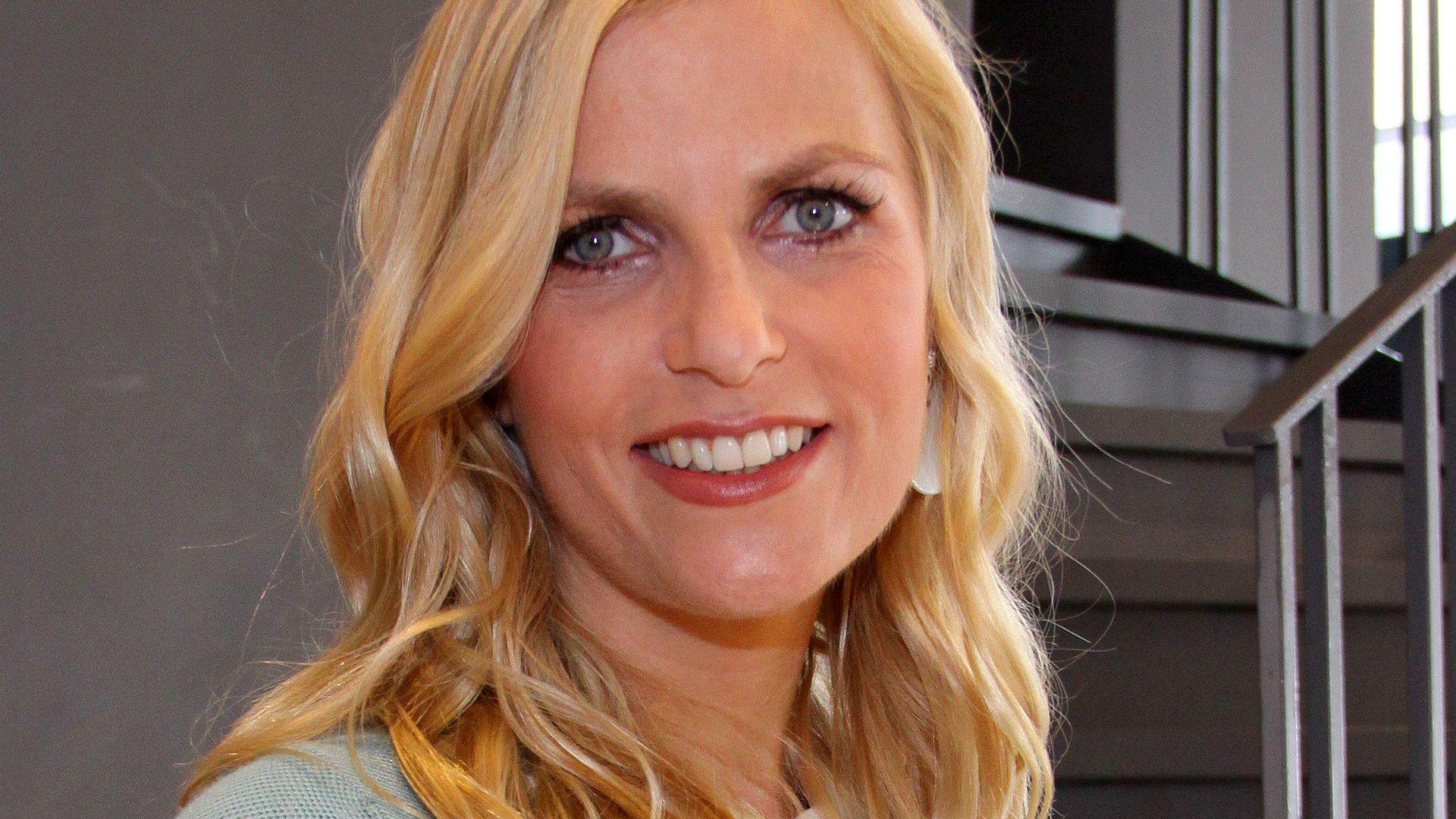 Ex-RTL-Moderatorin Tanja Bülter zeigt Baby-Bauch