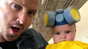 "Süß! Aaron Paul verkleidet Tochter im ""Breaking Bad""-Style"