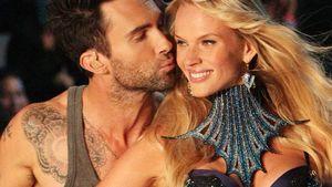 """Heiß! """"Maroon 5""""-Sänger küsst sein Model Anne"""