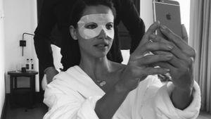Adriana Lima mit Augenmaske