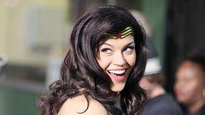 A. Palicki: Wonder Woman kämpft mit ihren Busen