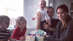 Blauer Kuchen & Co: So verkünden Stars das Baby-Geschlecht!
