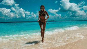 Alena Gerber zeigt Mega-Body vor traumhafter Strand-Kulisse