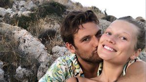 Mit Bussi-Bild: Toni Garrn bestätigt Liebe zu Alex Pettyfer!