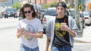 Chillig: Kristen Stewart & Alicia im lässigen Jeans-Look