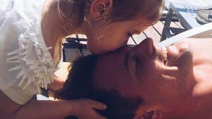 Zu gefährlich? Rocco Stark lässt Tochter Amelia Auto fahren!