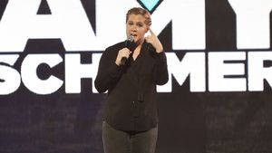 "Amy Schumer bei ""Comedy Central Live"" 2016"