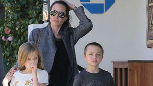 Angelina Jolie mit den Zwillingen Vivienne und Knox in Malibu