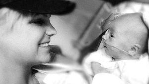 Megaselten: Anna Faris teilt Babyfoto von Söhnchen Jack (8)