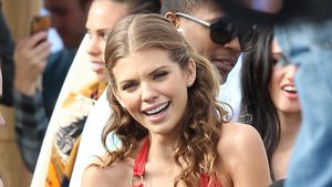Im Bikini: AnnaLynne McCord zeigt ihr Sixpack