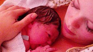 Anne Wünsche mit ihrer kleinen Tochter