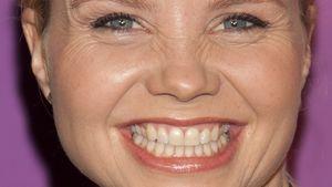Annette Frier: Schlagfertig mit Zahnpasta-Tube
