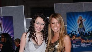 Miley Cyrus und Ashley Tisdale