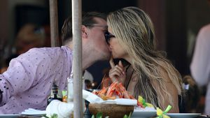 Erster Liebesurlaub: Sylvie & Barts Kuss-Session geht weiter