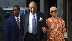 Ehekrise nach Haft? Bill Cosbys Frau ohne Ehering erwischt