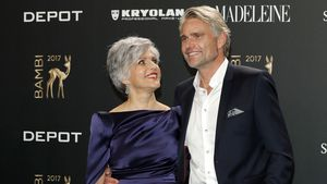 1. Paar-Auftritt mit Frank: Birgit Schrowange total verliebt