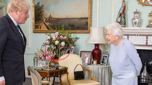 Hat die Queen hier das Foto von Meghan und Harry versteckt?