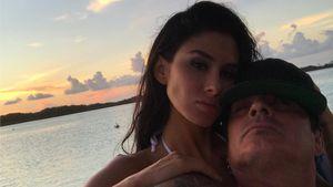 Sex im Flugzeug: Tommy Lee mit YouTuber-Freundin erwischt!