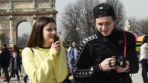 Brooklyn und Sonia beim Sightseeing in Paris