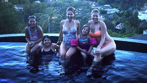 """Für immer Schwestern! """"Fuller House""""-Girls feiern Pool Party"""